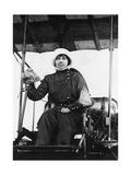 Die belgische Pilotin Helene Dutrieu, 1913 Photographic Print by  Scherl
