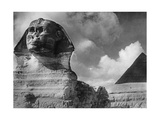 Pyramid of Khafre and Sphinx in Giza, 1933 Photographic Print by  SZ Photo