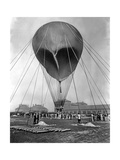 "Stratospheric Balloon ""Preussen"" Preparing to Start in Berlin-Tempelhof, 1901 Photographic Print by  Scherl"