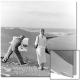 Painter on a dune, 1939 Print by  Scherl