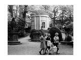 Tempelgarten in Neuruppin, 1935 Photographic Print by  Scherl
