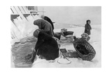 Women Do their Laundry in Leningrad, Winter 1925/26 Photographic Print by  Scherl