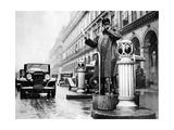 Verkehrspolizist in Paris, 1936 Photographic Print by  Süddeutsche Zeitung Photo