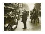 Verkehrspolizist in Paris, 1930er Jahre Photographic Print by  Knorr & Hirth