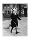 Kind beim Spielen in Berlin, 1939 Photographic Print by Scherl Süddeutsche Zeitung Photo
