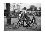 Familien-Fahrrad in den 30er Jahren Lámina fotográfica por Scherl Süddeutsche Zeitung Photo