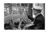 Ein Sizilianischer Karren (Carretto Siciliano) wird in Palermo bemalt Photographic Print by Knorr Hirth Süddeutsche Zeitung Photo