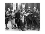 Französische Soldaten während der Sudetenkrise in Paris, 1938 Photographic Print by  SZ Photo