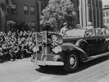 President Harry Truman Waving to Soldiers Wounded in Pacific Combat Photo