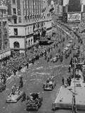Press Cars Lead the Broadway Tickertape Parade for Gen. Douglas Macarthur Prints