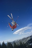 Person on Skis Jumping Foto