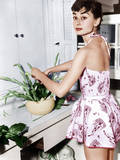 Audrey Hepburn Creates a Flower Arrangement, Ca. Early 1950s Photographie