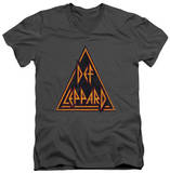 Def Leppard - Distressed Logo V-Neck T-shirts