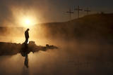 Easter Sunday Morning Sunrise Reflecting a Prayerful Moment Fotografisk tryk af  ricardoreitmeyer