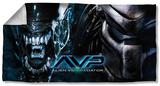 Alien Vs Predator - Poster Beach Towel Beach Towel