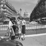 Touristes devant le Panthéon Photographic Print by  Feher