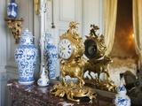 Château de Champs-sur-Marne, chambre bleue : pendule et vases chinois Photographic Print by Colombe Clier
