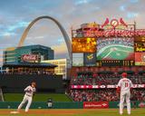 Milwaukee Brewers v St. Louis Cardinals Foto von Dilip Vishwanat