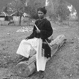 Man of the Kachin Tribe, Upper Burma, 1908 Reproduction photographique