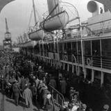 Aviation Corps Boarding a Ship, World War I, 1914-1918 Photographic Print