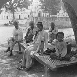 A Social Drink of Coffee, Mandalay, Burma, 1908 Papier Photo