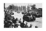 Tanks in the Great Victory Parade, Paris, France, 14 July 1919 Giclee Print