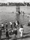 Bathing Pool, Dinard, Brittany, France, 20th Century Papier Photo