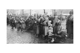 Russian Siberian Infantry Troops in Warsaw, Poland, 1914 Giclee Print