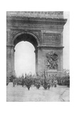Grand Victory Parade, Arc De Triomphe, Paris, France, 14 July 1919 Giclee Print