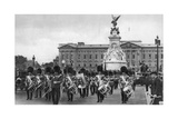 Guards in the Mall, London, Early 20th Century Giclee Print