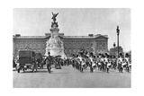 Changing of the Guard, Buckingham Palace, London, 1926-1927 Giclee Print by  McLeish