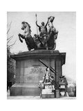 Westminster Bridge Monument, London, 1926-1927 Giclee Print by  McLeish