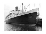 Ocean Liner RMS Queen Mary, 20th Century Giclee Print