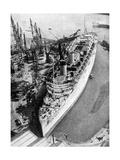 The Ocean Liner RMS Queen Mary, Clydebank, Glasgow, 1934 Giclee Print