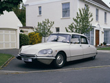 1972 Citroën DS21 Pallas Photographic Print