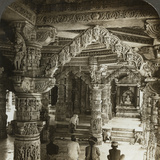 Temple of Vimal Vasahi, Mount Abu, Rajasthan, India Photographic Print by  Underwood & Underwood