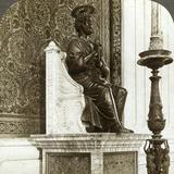 Statue of St Peter, St Peter's Basilica, Rome, Italy Lámina fotográfica por  Underwood & Underwood