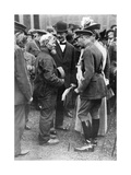 King George V and Queen Mary with a Shipwright, Birkenhead, First World War, 1914-1918 Giclee Print