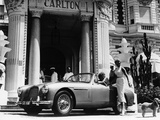 Aston Martin DB2-4 Outside the Hotel Carlton, Cannes, France, 1955 Fotografisk tryk