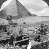 Ruins of the Granite Temple, the Sphinx and Great Pyramid, Egypt, 1905 Photographic Print by  Underwood & Underwood