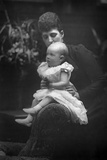 Princess Louise (1867-193) with Her Daughter Princess Alexandra (1891-195), 1893 Reproduction photographique par W&d Downey