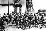 German Soldiers Marching Past the Arc De Triomphe, Paris, 14 June 1940 Photographic Print