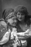 Mary Anderson (1859-194), American Stage Actress, and Mrs Stirling, 1890 Reproduction photographique par W&d Downey