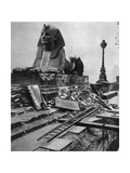 Sphinx Damaged by a German Bomb Dropped on the Embankment, 4th September 1917 Giclee Print