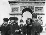 Occupying German Troops at the Arc De Triomphe, Paris, June 1940 Photographic Print