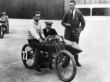 Dh Davidson on a Flat Twin Harley-Davidson, Brooklands, Surrey, 1920 Reproduction photographique