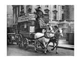 A Horse-Drawn Bus, London, 1926-1927 Giclee Print