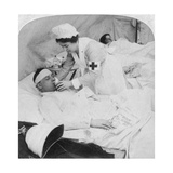 In a British Field Hospital on the Tugela River, South Africa, 2nd Boer War, 1900 Giclee Print by  Underwood & Underwood