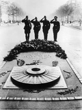 German Soldiers Saluting the Tomb of the Unknown Soldier, Paris, December 1940 Photographic Print