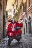 Italy, Lazio, Rome, Trastevere, Red Vespa Papier Photo par Jane Sweeney